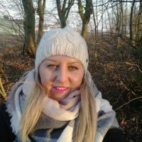 Lief vrouwtje uit Drenthe haar kut penetreren
