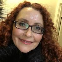 Mals vrouwtje uit Flevoland haar kut ontbloten