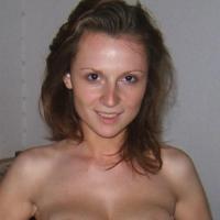 Heerlijk jongedametje uit Limburg-be haar pussy naaien