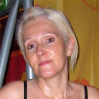 Mals dametje uit Zuid-Holland haar gleuf betasten