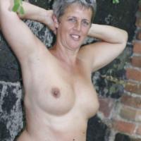 Heet dametje uit Vlaams-Brabant haar vagina betasten