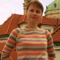 Heet jongedametje uit Noord-Holland haar sneetje naaien