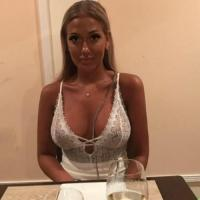 Lief milfje uit Flevoland haar vagina likken