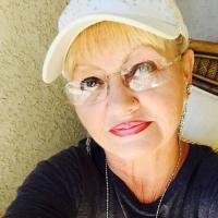 Bloedheet omaatje uit Limburg-be haar vagina beffen