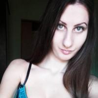 Mals jongedametje uit Limburg haar pussy vingeren